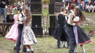 Danza del Tirol en Prusia. Pozuzo (Oxapampa - Perú)