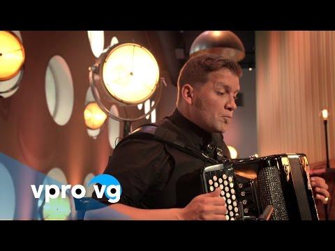 Mario Batkovic - Ineute Finis (live @TivoliVredenburg Utrecht)