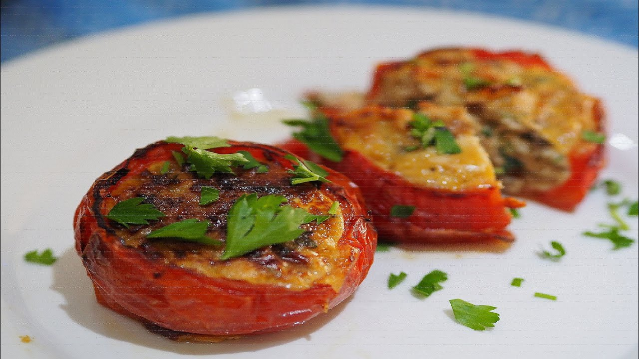 Baked  Eggs and Chicken mushroom stir fly  In Tomato Cups