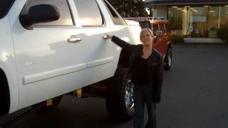 Huge 2007 Custom Lifted Chevrolet Avalanche LT Puyallup Dealer