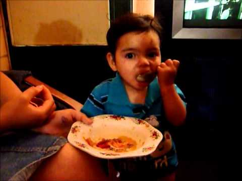 Bebe de 10 meses aprendiendo a comer youtube - Bebe de 10 meses ...