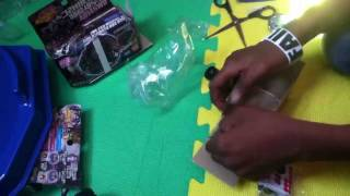 Gravity Perseus AD145WD, Beyblade Stadium, Launcher Grip, and LR Launcher Unboxing