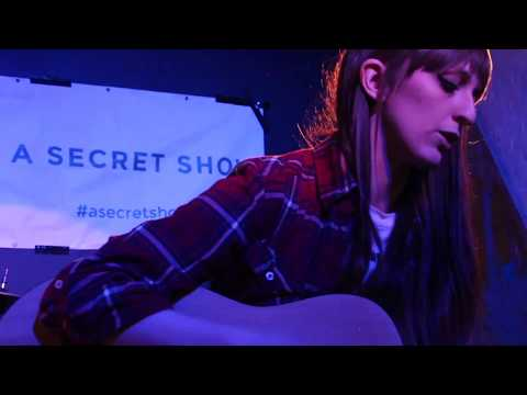 Riffly Live Sessions  Sophie Anna  She