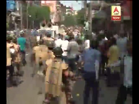 Watch: BJP supporters try to break the police barricade at Fierce Lane