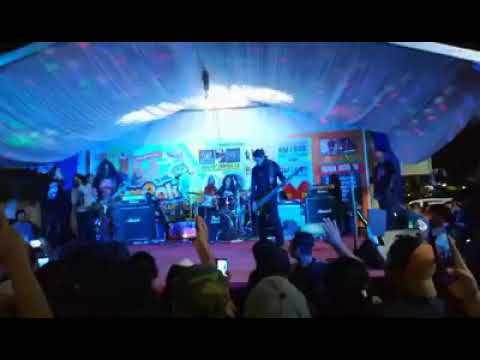 XPDC live konsert di U Sentral, Masai, Johor. Lagu: KABUS SEMALAM, RAJA KERTAS & HIDUP BERSAMA