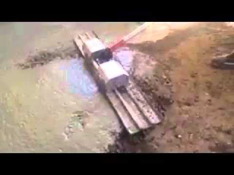 Floating concrete vibrator