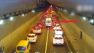 Bất ngờ với cách phản ứng của tài xế nước ngoài khi gặp xe cứu thương - TopBiAn
