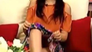 Download Video HEBOH! Host Cantik Seksi Indonesia Ini Keliahatan Jelas CD Celana Dalamnya Saat Membaca Berita LIVE MP3 3GP MP4