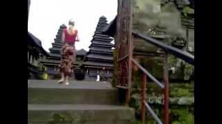 Храмовый комплекс Пура Бесаких на Бали(http://annaromanova.ru/pura-besakix/ Пура Бесаких -- это главное святилище Бали. Считается, что здесь живут все божества остр..., 2014-04-26T03:20:55.000Z)