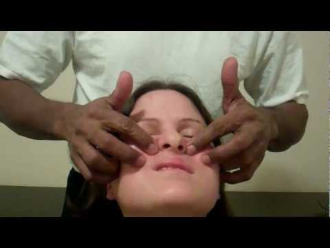 Relaxing Cosmic Energy Head Massage on a Woman by Oudin
