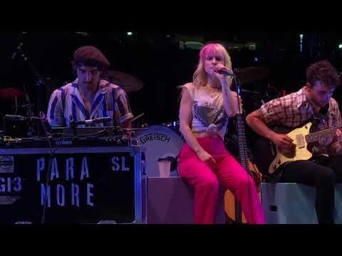Paramore - Passion Fruit (Heritage Park Amphitheatre)
