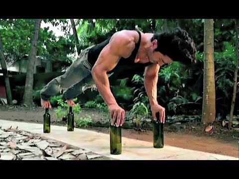 Vidyut Jamwal Performs Push-Ups On Glass Bottles For Junglee Movie