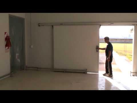 Aislaciones termicas puerta corrediza frigor fica youtube - Como colocar una puerta corrediza ...