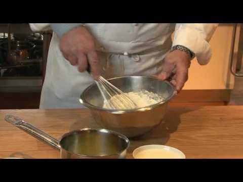Pâte à gaufres par Pierre-Dominique Cécillon pour Larousse Cuisine