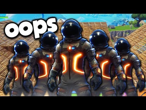 5 Players In 1 Squad Might Get Us Banned... Fortnite | Whos Chaos