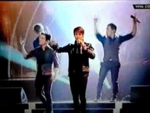 Big Time Rush - Boyfriend  (Comet 2011)