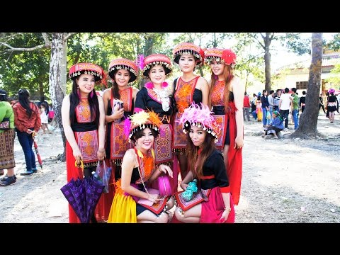 2015 - Hmoob Nplog Nasala noj pebcaug. Hmong Lao, Nasala. (HD)