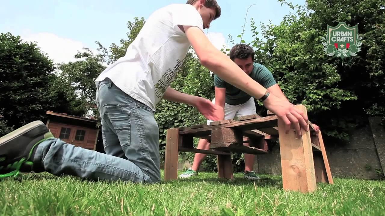 Maak je eigen tuinmeubelen met paletten - YouTube