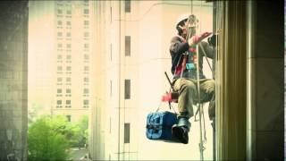 Cleaning windows (창문 청소)