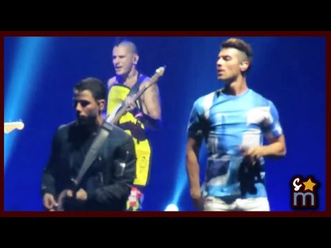 "Nick Jonas & DNCE (Joe Jonas) - ""Cake By the Ocean"" Live at The Forum ""Future Now Tour"""