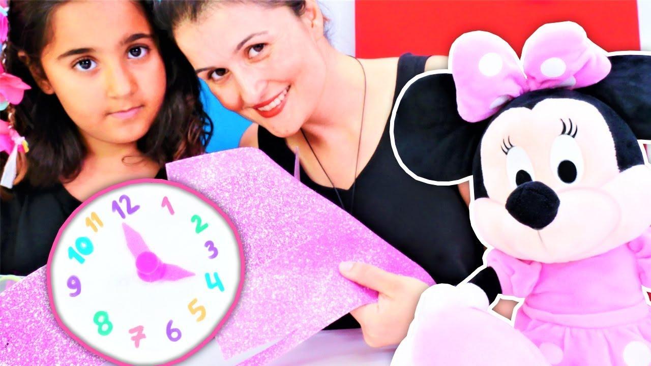 Minnie Mouse ile eğitici oyun. Okul öncesi etkinlik saat yapıyoruz