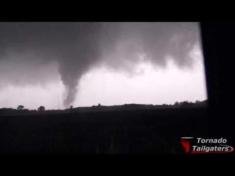 Multivortex Tornado Fertile, MN 82816