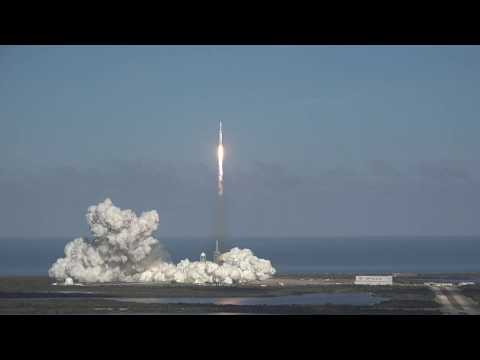 SpaceX Falcon Heavy rocket first launch from Kennedy Space Center
