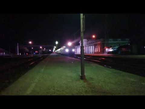 Отправление со станции Невинномысск ЭП1М-686 со скорым поездом #677 Владикавказ-Новороссийск