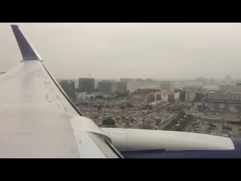 Delta Boeing 767-300ER (Winglets) Landing and Taxi to the Gate at Los Angeles International Airport