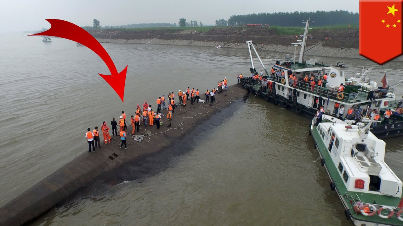 Hundreds Feared Dead In Chinese Ferry Sinking Calls For Help Heard From Inside Boat