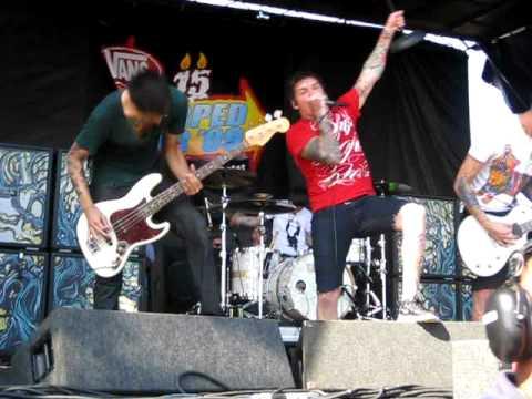 The Devil Wears Prada-Wapakalypse (Live at Warped Tour 8/23/09 at the Home Depot Center)
