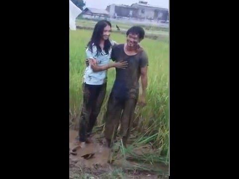 FUNNY VIDEO HARDI FADILLAH BERPELUKAN DENGAN NADYA DISAWAH