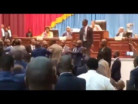 RD Congo : le premier vice-président de l'Assemblée destitué, des députés se bagarrent