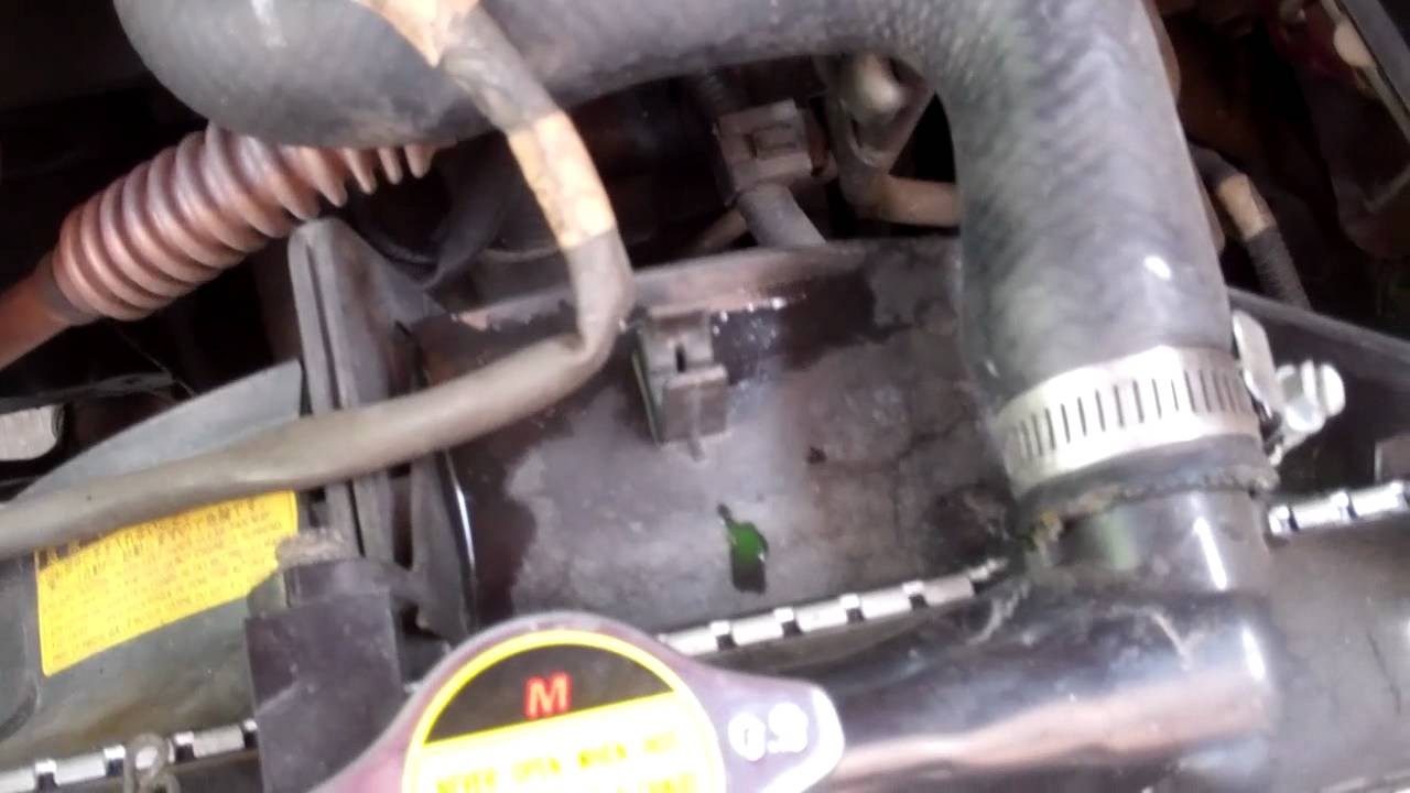 How To Detect Coolant Leak And Replace Radiator Hose Youtube