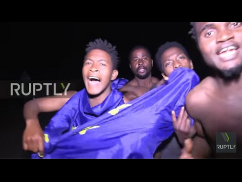 Spain: Hundreds of refugees storm and scale border fence at Ceuta