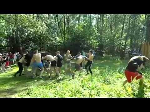 Russian football hooligans fight - Celts Lokomotiv vs Zapad+Gorizont Spartak