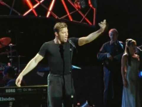The Cup Of Life - Ricky Martin (HQ) [NiC0LaSK3nT]