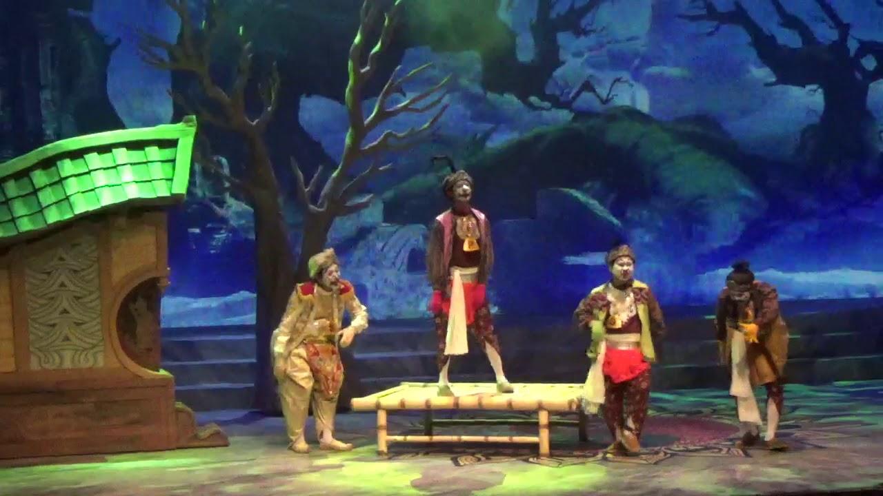 """Pementasan Teater Koma """"Goro Goro"""" Saat Politikus Jahatpun"""
