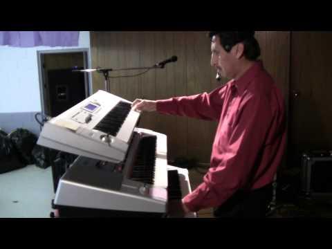 RAMON REYES Cantando Un Popurri Norteno En Leesville Invitaciones 843 3671794.MTS