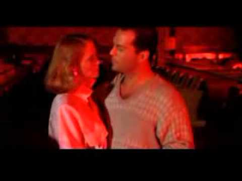 Cybill Shepherd, Bruce Willis - Let's Twist Again.mp4