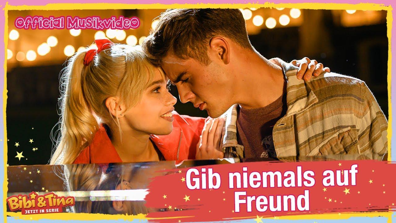 Bibi & Tina - Die Serie   Gib niemals auf Freund - Official Musikvideo
