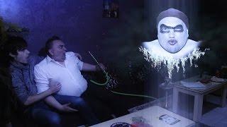 Omčo & Meca puše nargilu (Caffe Bar