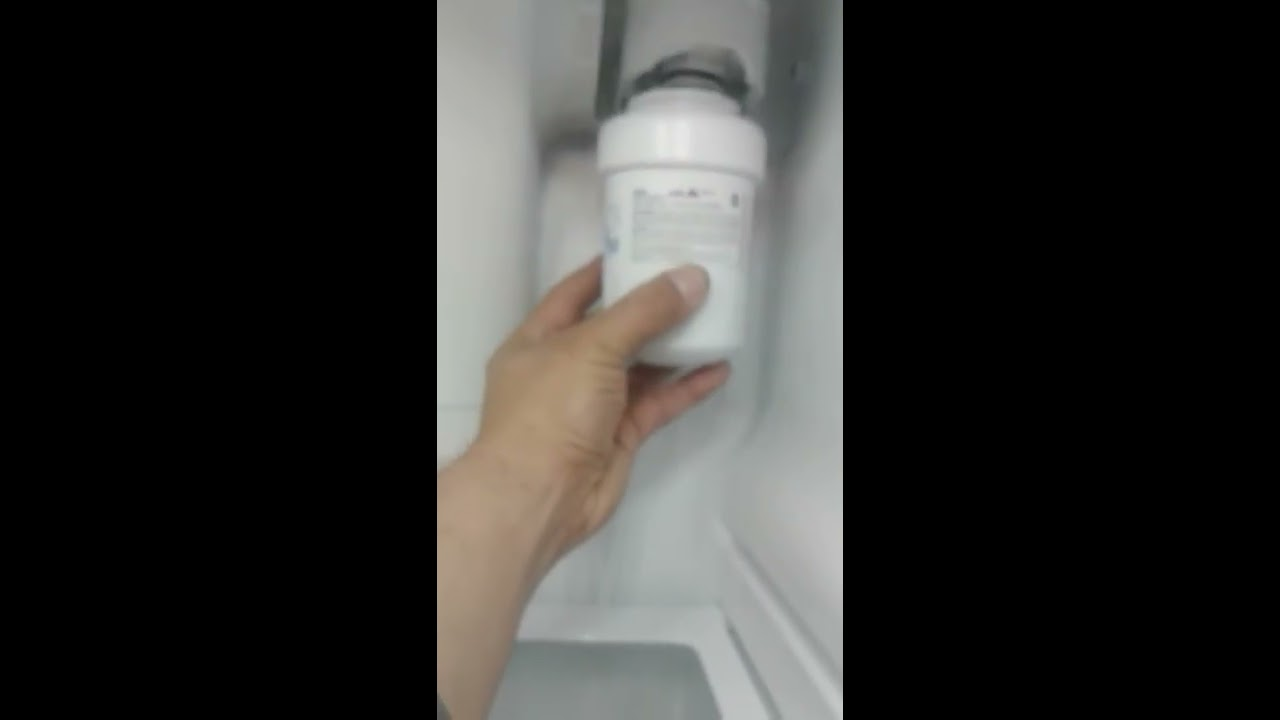 How To Replace Ge Water Filter How To Install Ge Water Filter Mwf Youtube