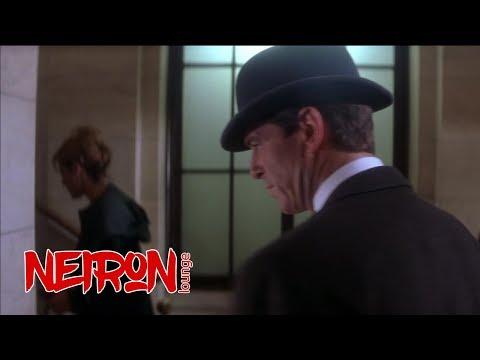 """Человек в котелке, кража в музее """"Афера Томаса Крауна"""" - 1999"""