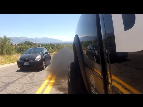 #BuiltDiesel Smokes Out Prius Paul