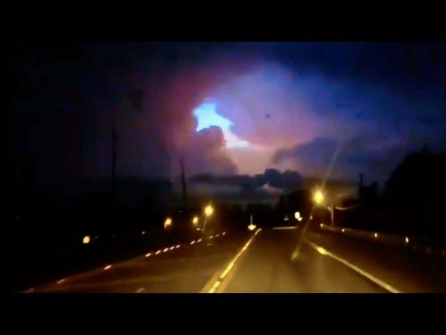 Un conductor graba un portal interdimensional en los cielos de Alabama