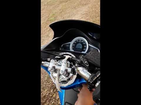 WET FLOOR - รีวิว Honda PCX 150 ปี 2016 Smart Key (1/2)