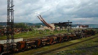 Демонтаж двух 80 метровых труб ЧМЗ