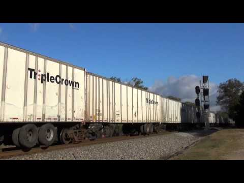 NS: Tractor trailer train with over 115 trailers / Sugar Valley GA