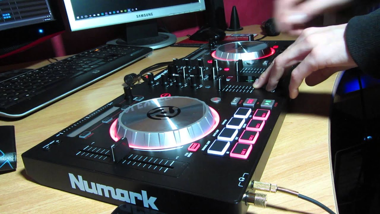 test du new controleur numark mixtrack pro 3 youtube. Black Bedroom Furniture Sets. Home Design Ideas
